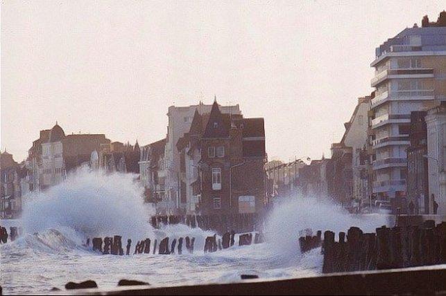 La mer saute à Saint Malo